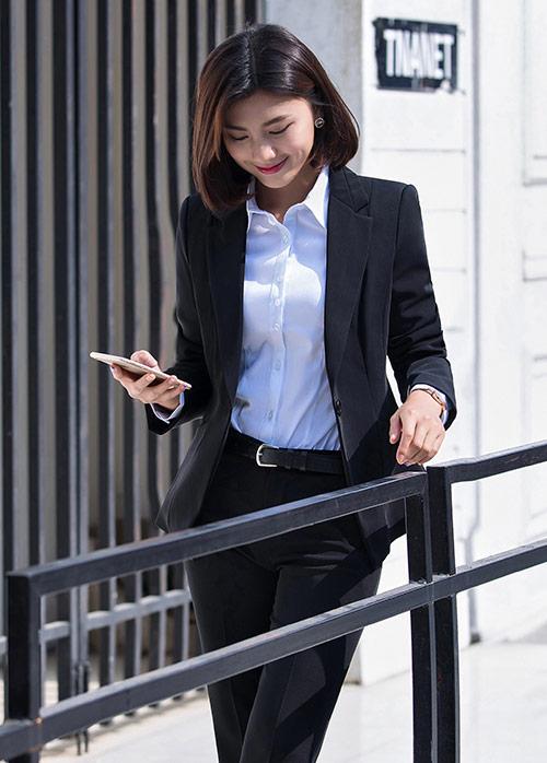 定制职业装如何穿出时尚范以及穿搭的技巧?